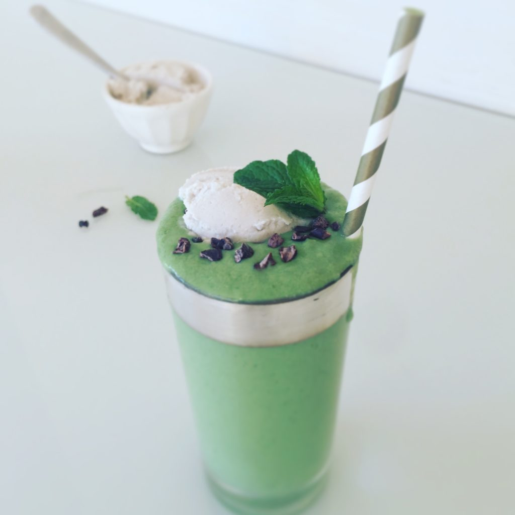 Healthy Vegan Shamrock Smoothie